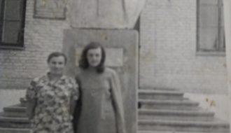 Бюст Сяргея Кірава, усталяваны ў 1967 годзе каля Стрыгінскага Дома культуры. Дэмантаваны ў 2009 годзе.
